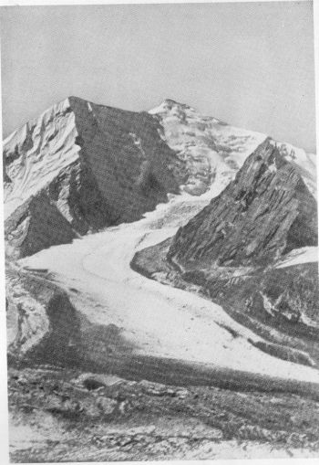 Nanda Ghunti (or Nandakna, 20,700 feet) from the Ronti glacier 30th October 1936