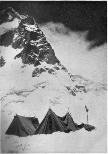 (Camp III, 21,000 FT., ON THE SHOULDER OF THE DOME ; S.E. RIDGE AND TWIN SUMMITS ABOVE.