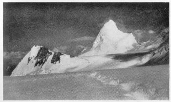 (Photo: Alfred Linsbauer)  KOH-I-WARGHUT (6,1.30 M.) FROM THE PLATEAU MUNICH, NEAR CAMP 4