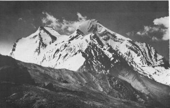 Menirang,6593 m (right) and Pk 6223 m, 										(Harish Kapadia)