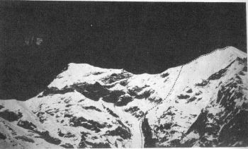 'Parvati  Peak' (5989 m) northeast of Shivling (Gangotri glacier). Route of first ascent.  (J.L. Sasot)