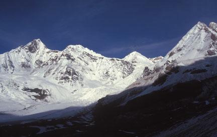 Peaks around Bamlas glacier, west of Unta Dhura Pass. Nital Thaur (left), Nanda Gond and Bamlas glacier. (Vineeta Muni)