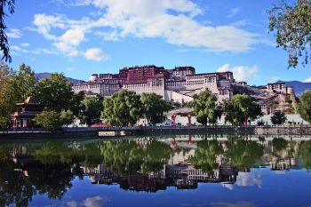 Potala palace, Lhasa. (Martin Scott)